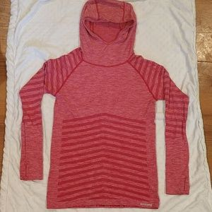 Saucony hooded running shirt